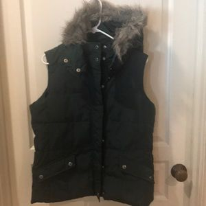 TALBOTS PETITE HOODED DOWN VEST